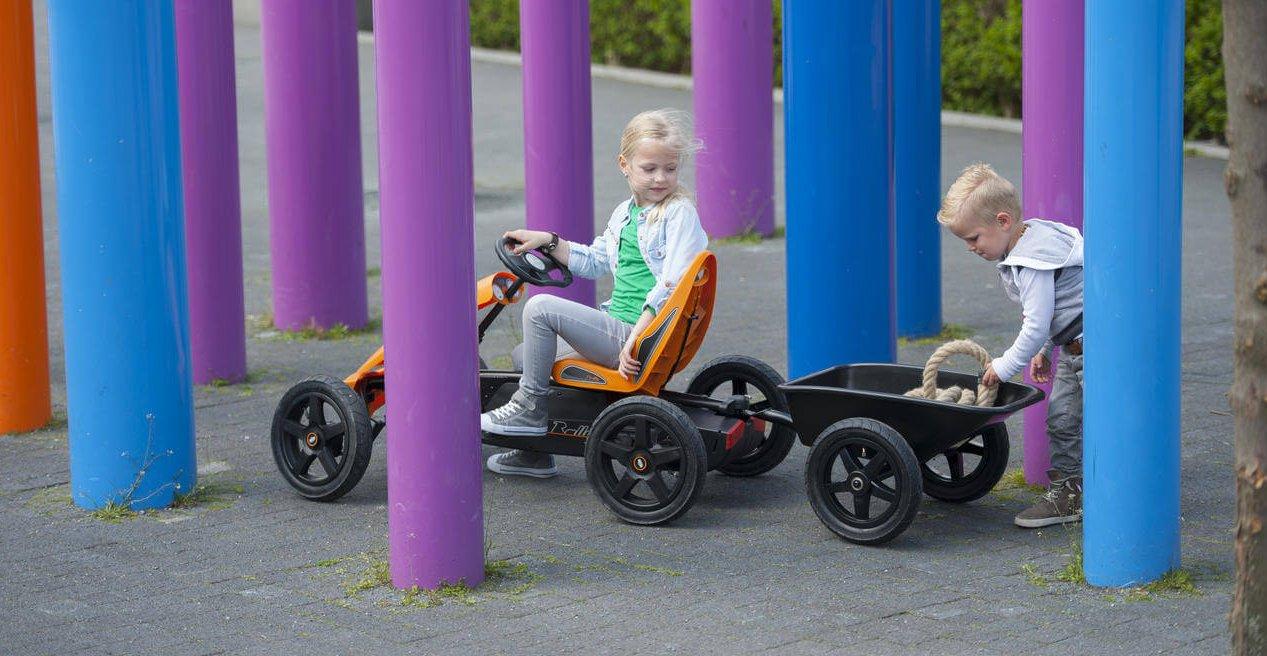 kettcar fahren im Herbst - hier berg_rally_orange_with_junior_trailer_guenstig auf gokart-profi.de