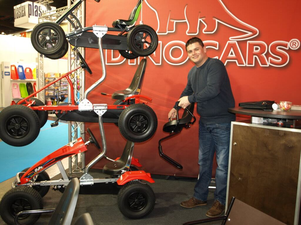 Messeneuheiten Dino Cars 2017 Spielwarenmesse - Matthias Evers - gokart-profi.de live vor Ort