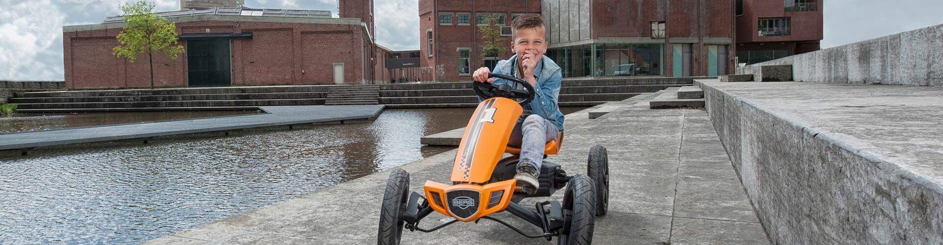 BERG Rally Orange - Gokart Größe M 4 bis 12 Jahre - gokart-profi.de