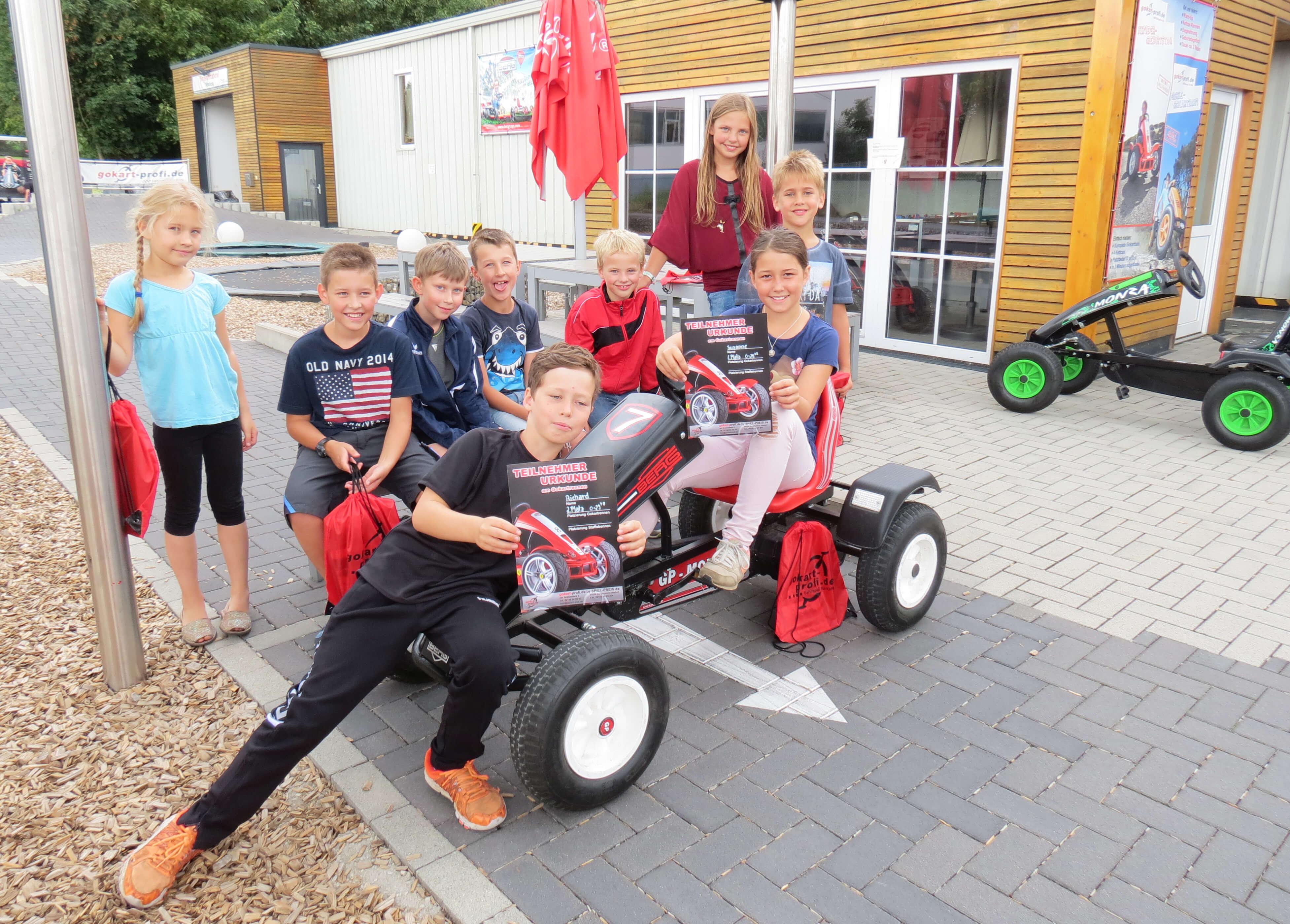 Ferienprogramm Schwarzenbruck 2018 bei gokart-profi.de vor Ort
