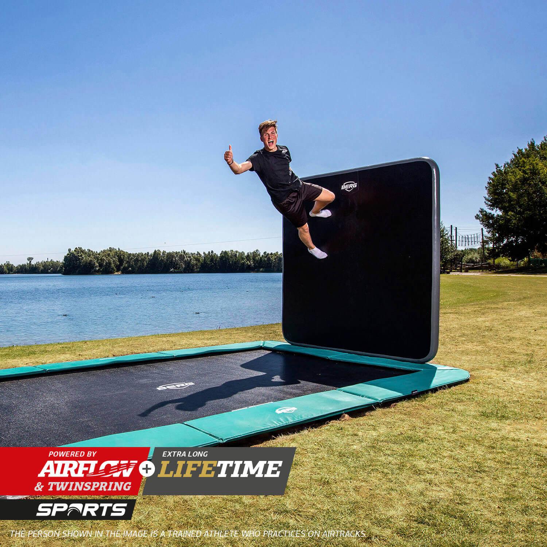 BERG Ultim Champion mit Airwall - kaufen auf trampolin-profi.de